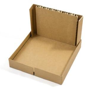 Montage Step 2 Kartonbox: Boden und eine Seitenwand