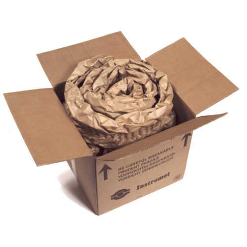 Das zu schützende Produkt kann oben und unten mithilfe von PadPak Papierpolster als Schnecke fixiert und gepolstert werden
